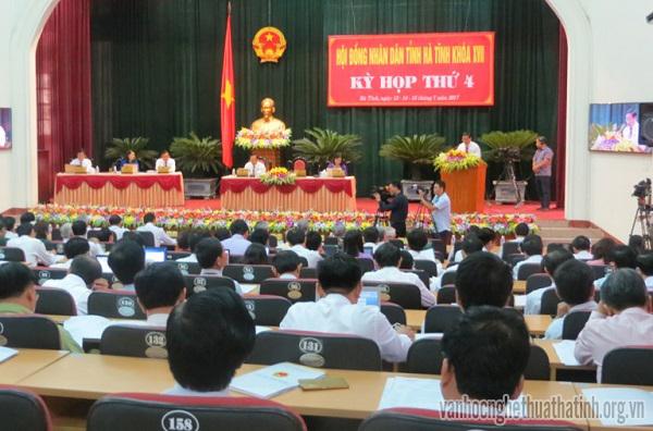 Kỳ họp lần thứ IV của Hội đồng nhân dân Hà Tĩnh khóa XVII