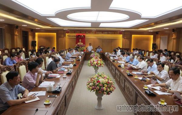 Thường vụ Tỉnh ủy Hà Tĩnh giao ban với Khối UBMTQ, đoàn thể chính trị - xã hội và các Hội