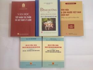 Ra mắt năm cuốn sách nghiên cứu, lý luận về văn hóa, văn học - nghệ thuật
