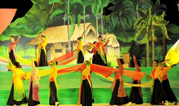 """Nghệ An-Hà Tĩnh: Tổ chức Chương trình nghệ thuật """"Đôi bờ Ví, Giặm"""""""