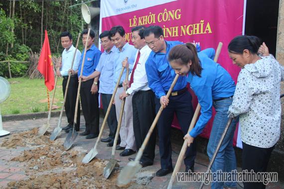 Tuổi trẻ Hà Tĩnh chung sức xây dựng nông thôn mới