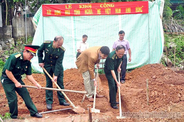 Hương Sơn-Hà Tĩnh: Lễ khởi công xây dựng nhà tình nghĩa cho mẹ VN anh hùng.