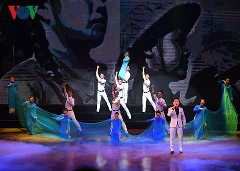 """""""Vang mãi khúc quân hành"""" - đêm nghệ thuật đặc biệt dành cho người lính"""