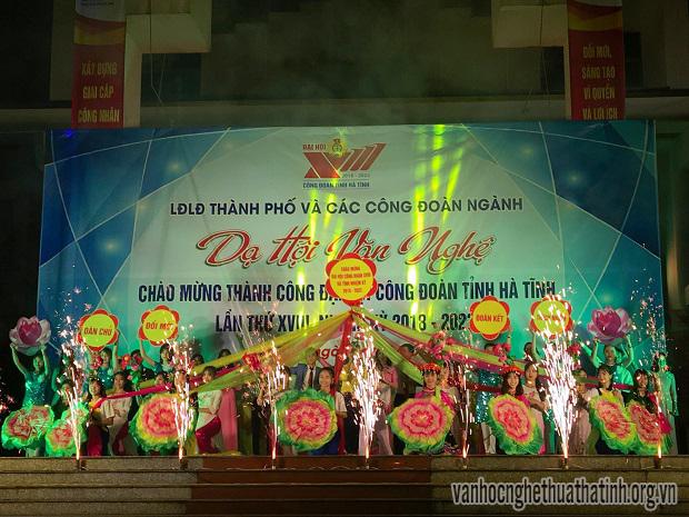 Dạ hội văn nghệ mừng thành công Đại hội Công đoàn Hà Tĩnh