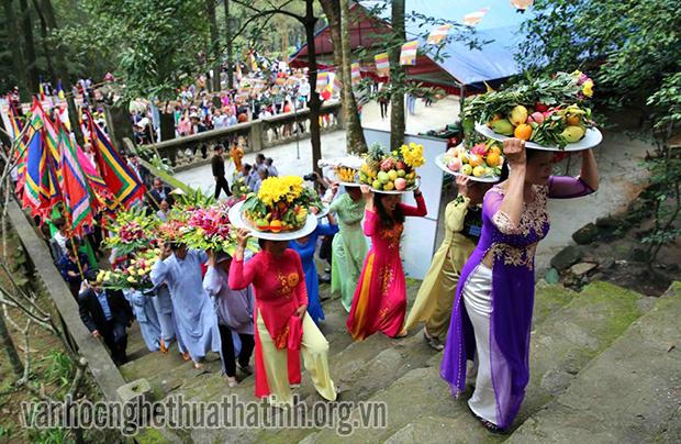 Đầu năm lễ hội du xuân