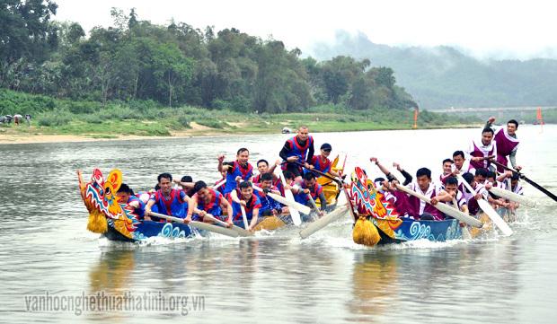 Hương Sơn-Hà Tĩnh: Lễ hội đua thuyền trên sông ngàn Phố