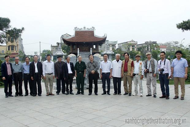 Chi hội VHNT huyện Nghi Xuân thực tế sáng tác tại Ninh Bình, Thái Bình