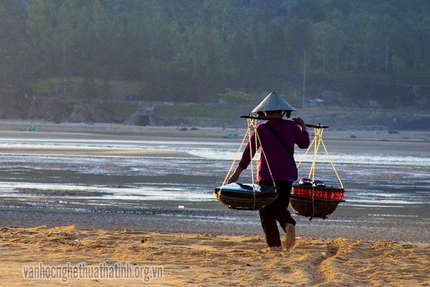 Người phụ nữ làng biển