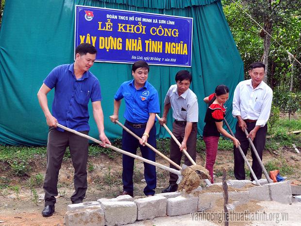 Khởi công xây dựng nhà tình nghĩa tại xã Sơn Lĩnh