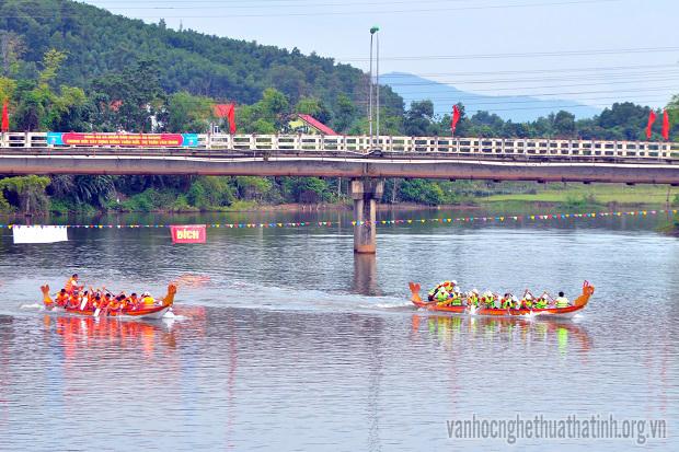 Ấn tượng giải đua thuyền trên sông Ngàn Sâu