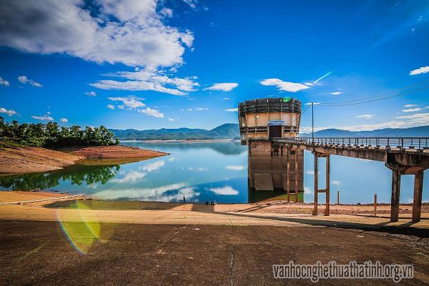 Chiều thu trên hồ Kẻ Gỗ