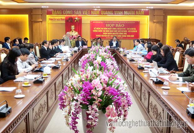 Tích cực tuyên truyền cho lễ kỉ niệm 240 năm ngày sinh danh nhân Nguyễn Công Trứ và đón bằng huyện đạt chuẩn NTM ở Nghi Xuân