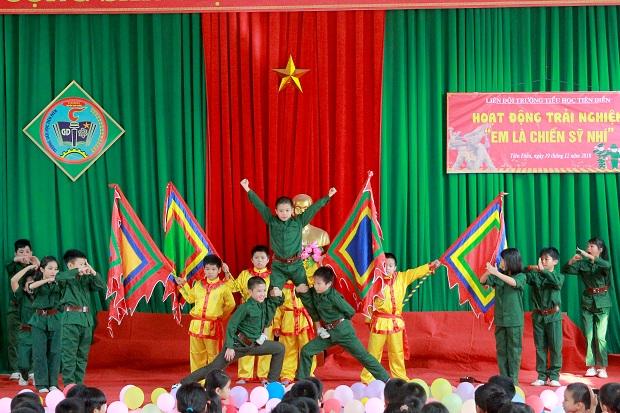 Ấm áp chương trình Sinh hoạt ngoại khóa Em là chiến sỹ nhí của trường Tiểu học Tiên Điền