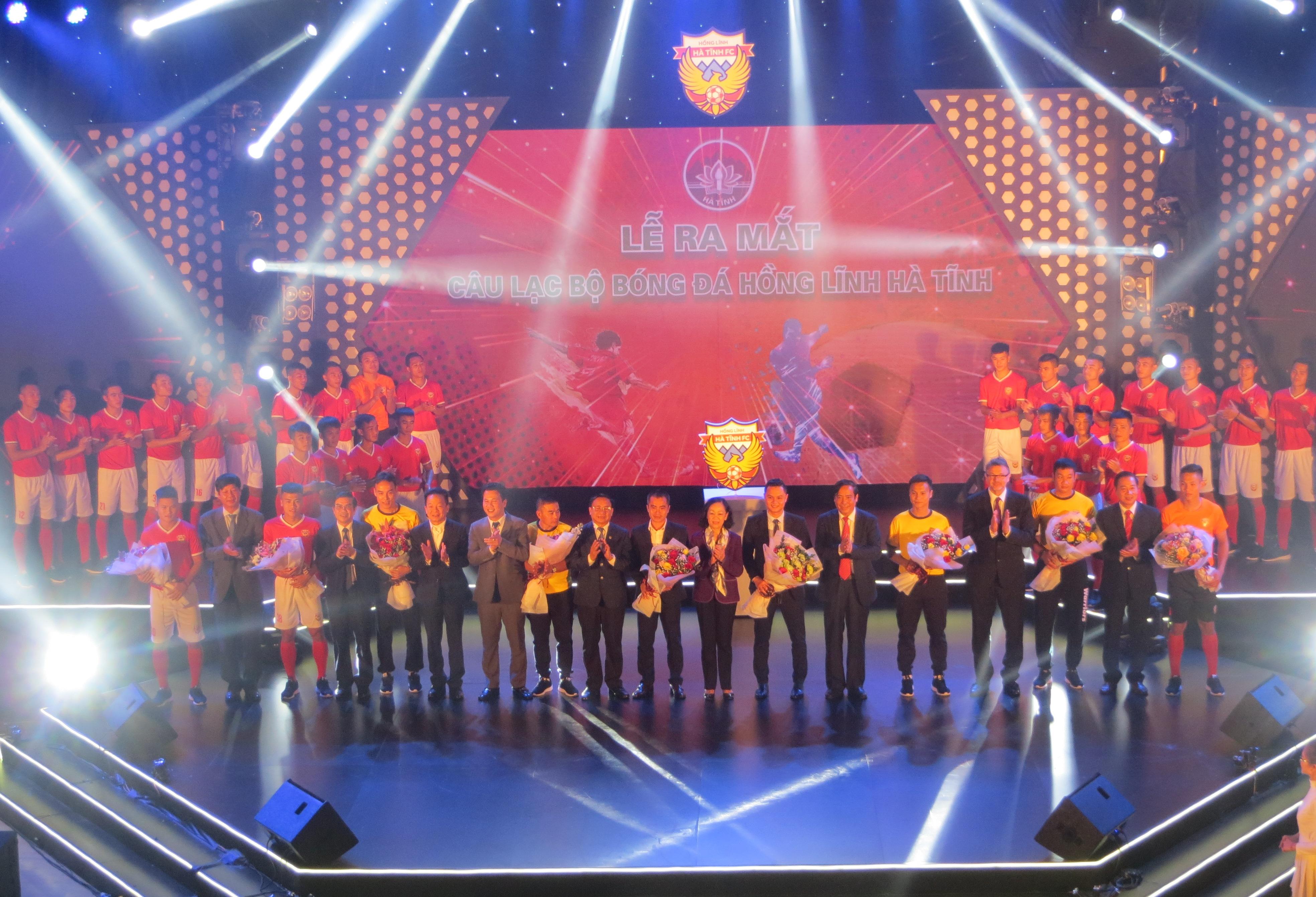 Hà Tĩnh làm lễ ra mắt Câu lạc bộ bóng đá mang tên Hồng Lĩnh