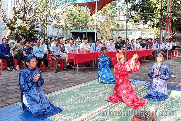 Cẩm Nhượng tổ chức lễ giỗ bà Hoàng Càn