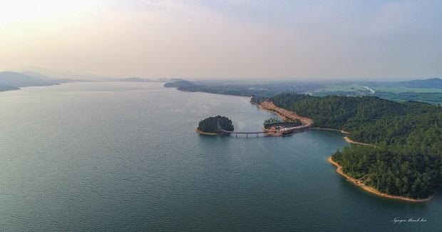 Hồ Kẻ Gỗ - điểm dừng chân lí tưởng cho những người yêu thiên nhiên