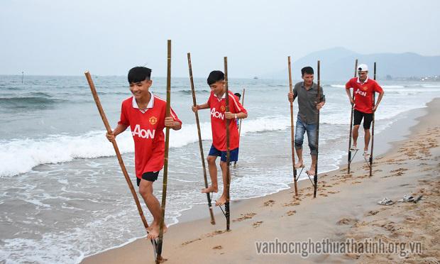 Hấp dẫn cuộc thi cà kheo tại huyện Cẩm Xuyên