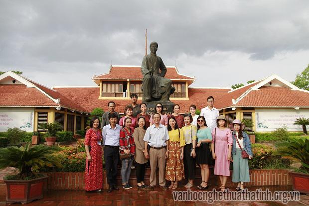 Văn nghệ sĩ các tỉnh Bắc miền Trung  tham quan thực tế tại Hà Tĩnh