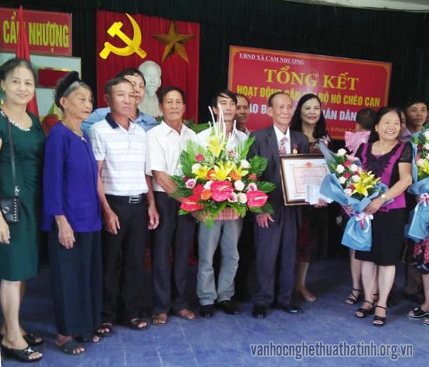 Vinh danh nghệ nhân Hò chèo cạn Trương Văn Hứa