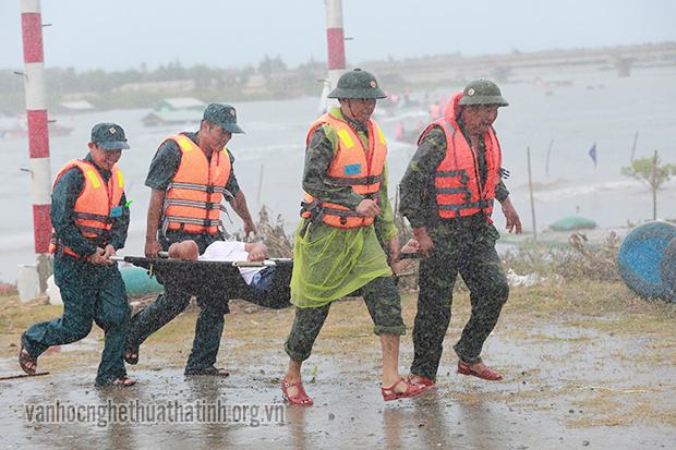 Chùm ảnh Kỳ Anh tổ chức diễn tập phòng chống lụt bão và tìm kiếm cứu nạn năm 2019