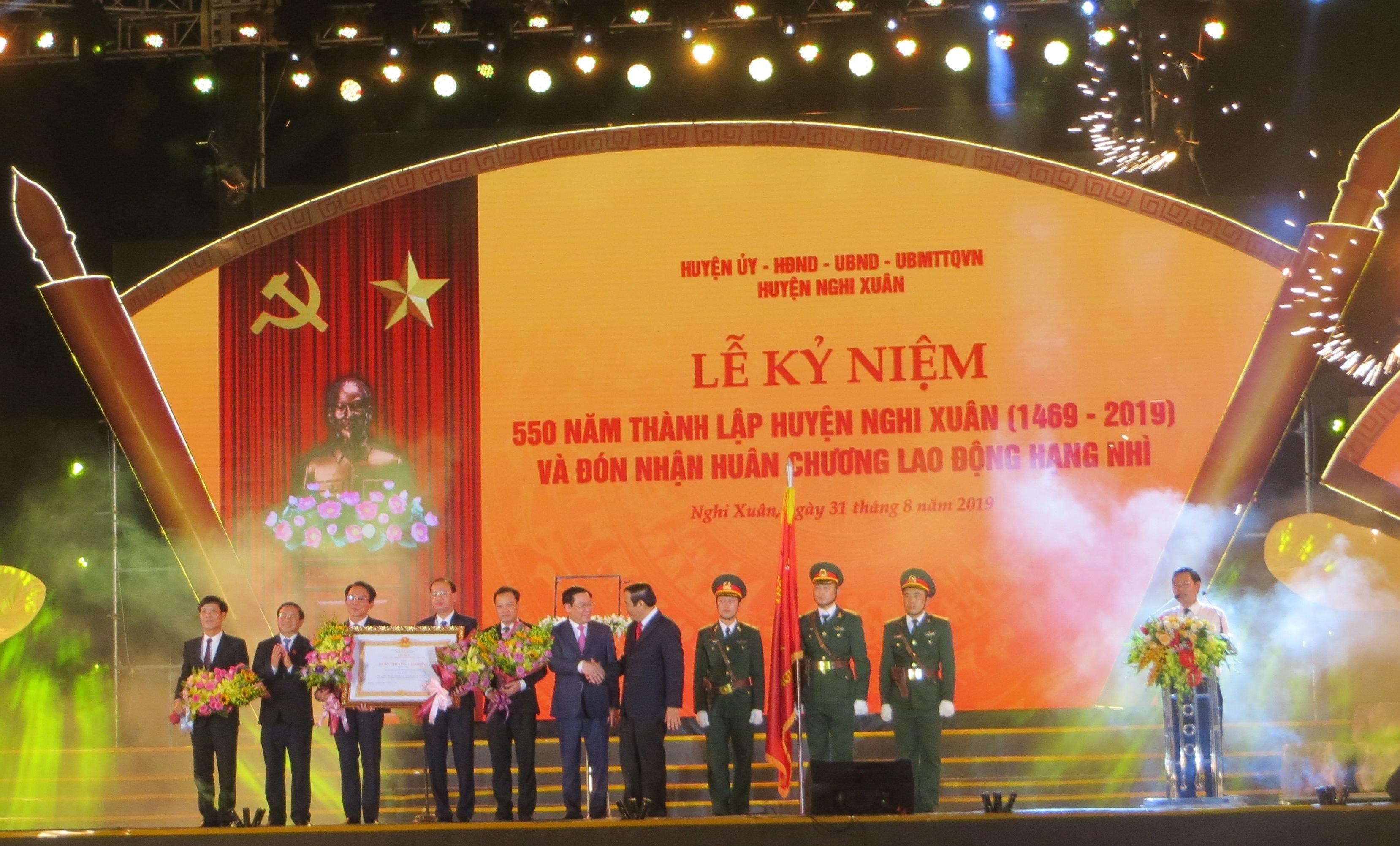 Huyện Nghi Xuân kỉ niệm 550 năm thành lập và đón nhận Huân chương Lao động hạng Nhì