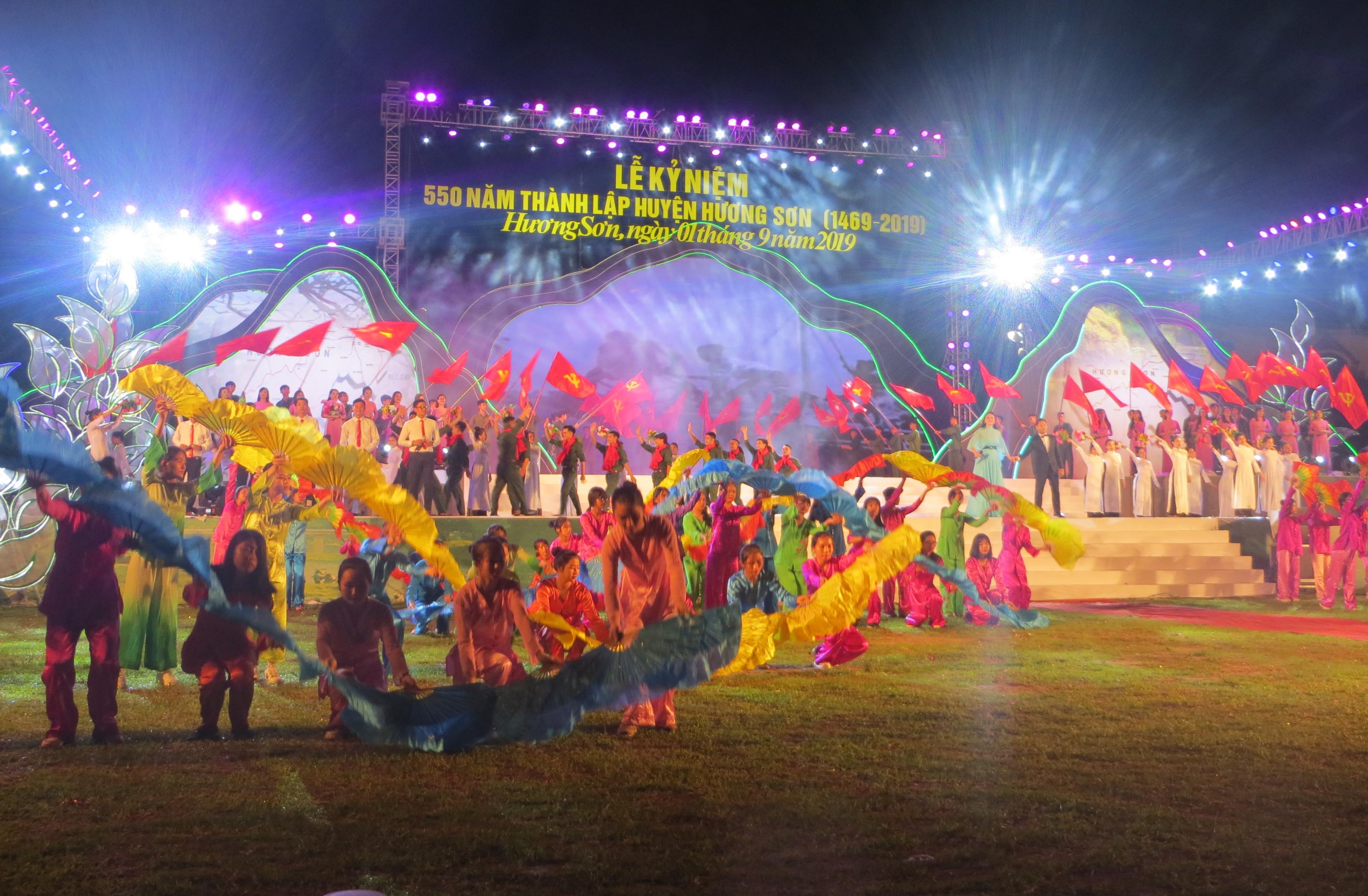 Hương Sơn kỷ niệm 550 năm ngày thành lập