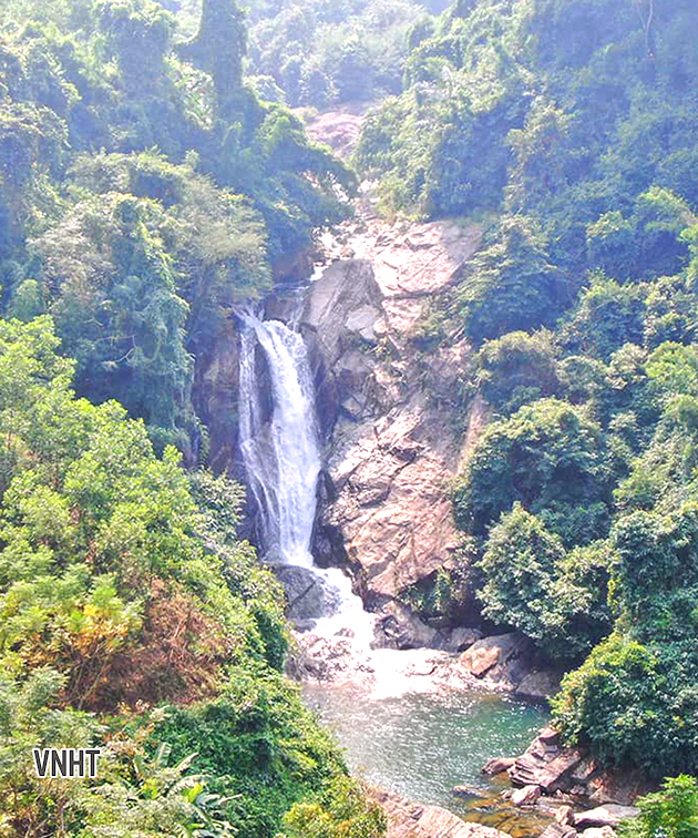Khám phá vẻ đẹp huyền bí của núi rừng Hương Sơn