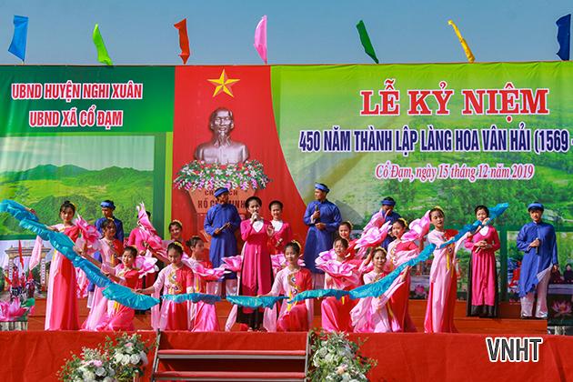 Kỷ niệm 450 năm thành lập Làng Hoa Vân Hải