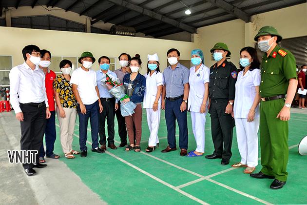 Hương Sơn bàn giao 368 công dân cách ly y tế tại cổng B - Cửa khẩu Cầu Treo