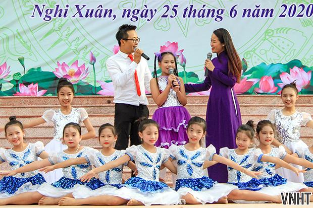 """Lễ phát động """"Tuyên truyền giáo dục đời sống trong gia đình hưởng ứng ngày Gia đình Việt Nam"""""""