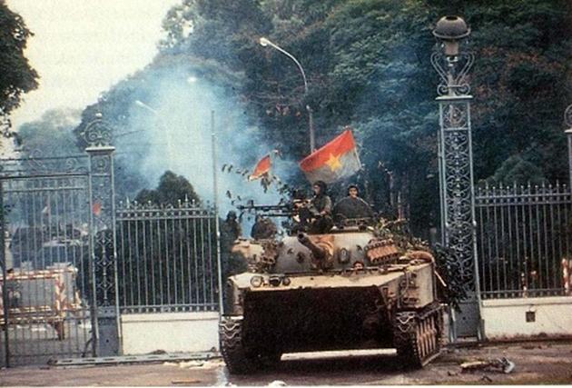 Tùy bút  ĐẠI THẮNG MÙA XUÂN 1975: BẢN HÙNG CA BẤT DIỆT của Nguyễn Ngọc Phú