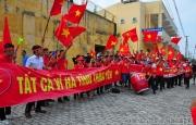 Người hâm mộ Hà Tĩnh hào hứng ra sân Vinh cổ động cho đội bóng đá Hà Nội